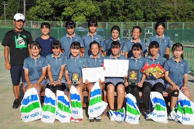 女子準優勝の大阪女学院中(大阪)
